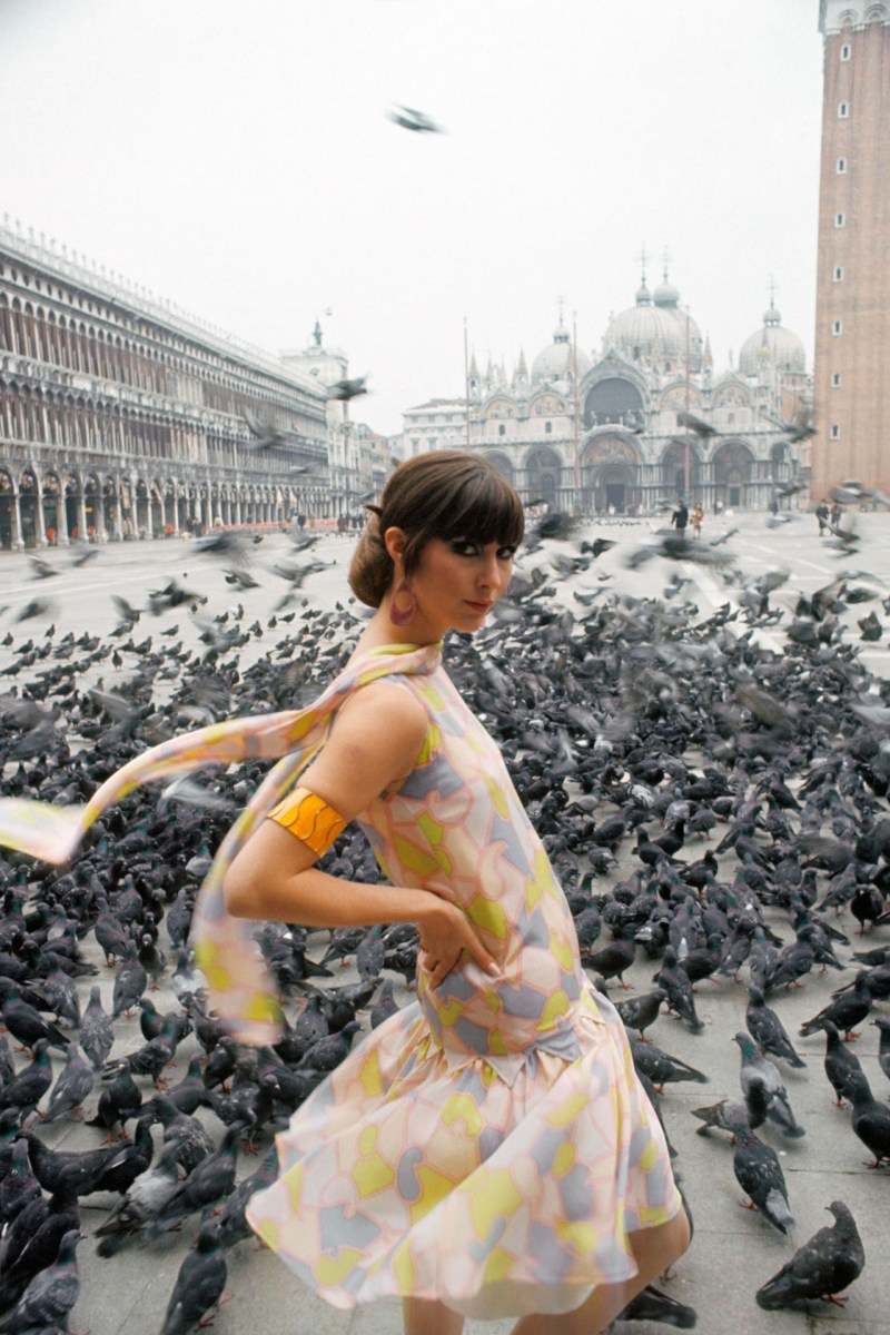 a-model-wears-a-multi-coloured-silk-summer-dress-in-the-piazza-san-marco-1966