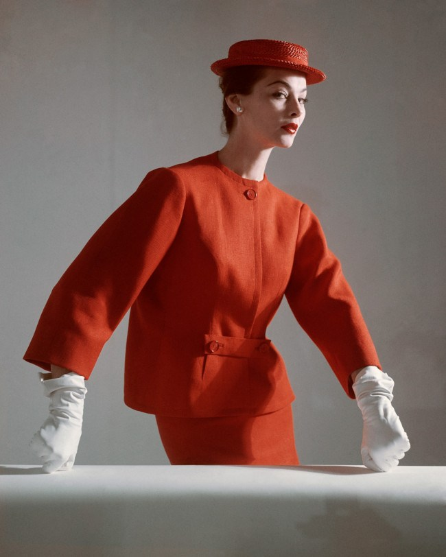 a-model-wears-a-red-linen-suit-by-balenciaga-1952