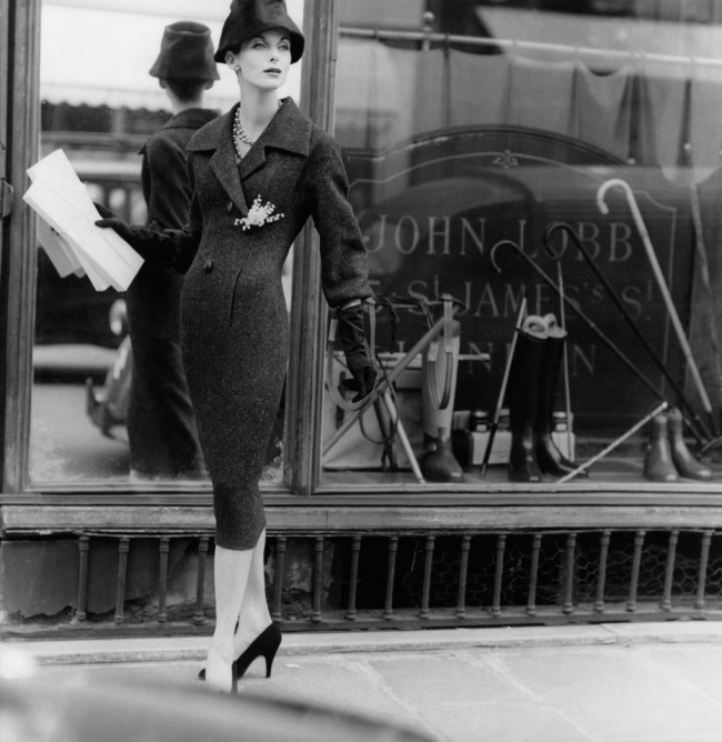 a-model-wears-a-tweed-coat-dress-and-hat-by-dior-in-london-1955