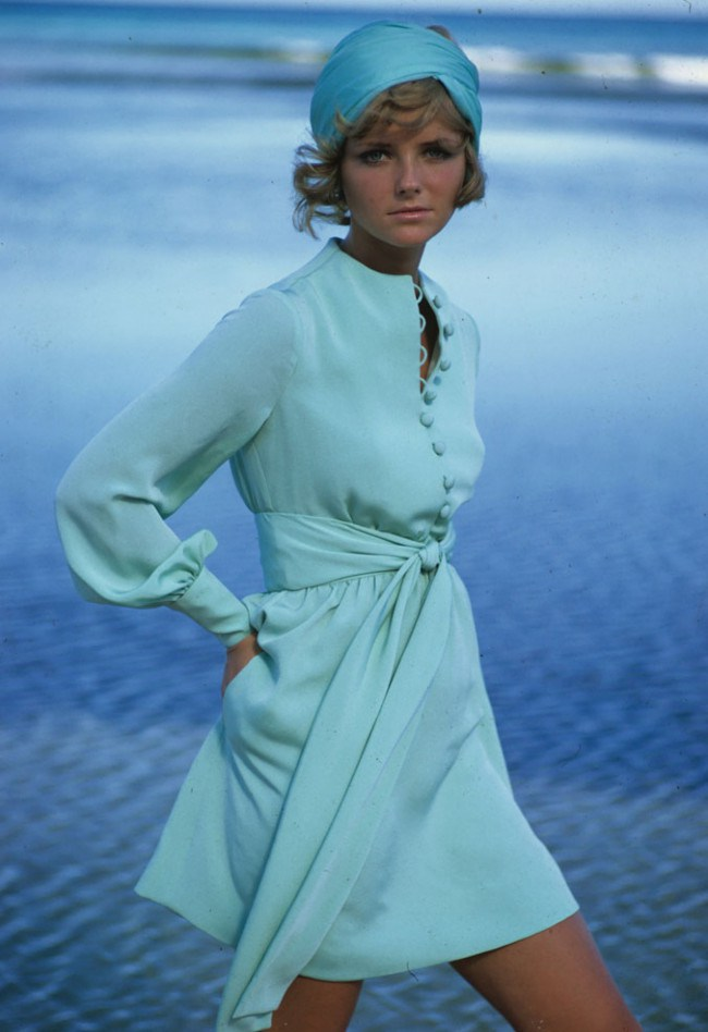 feeling-blue-cheryl-tiegs-models-a-dress-by-stan-herman-in-the-1960s