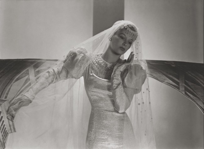 lisa-fonssagrives-models-a-wedding-dress-with-a-pearl-decorated-yoke-and-pearl-studded-veil-1938