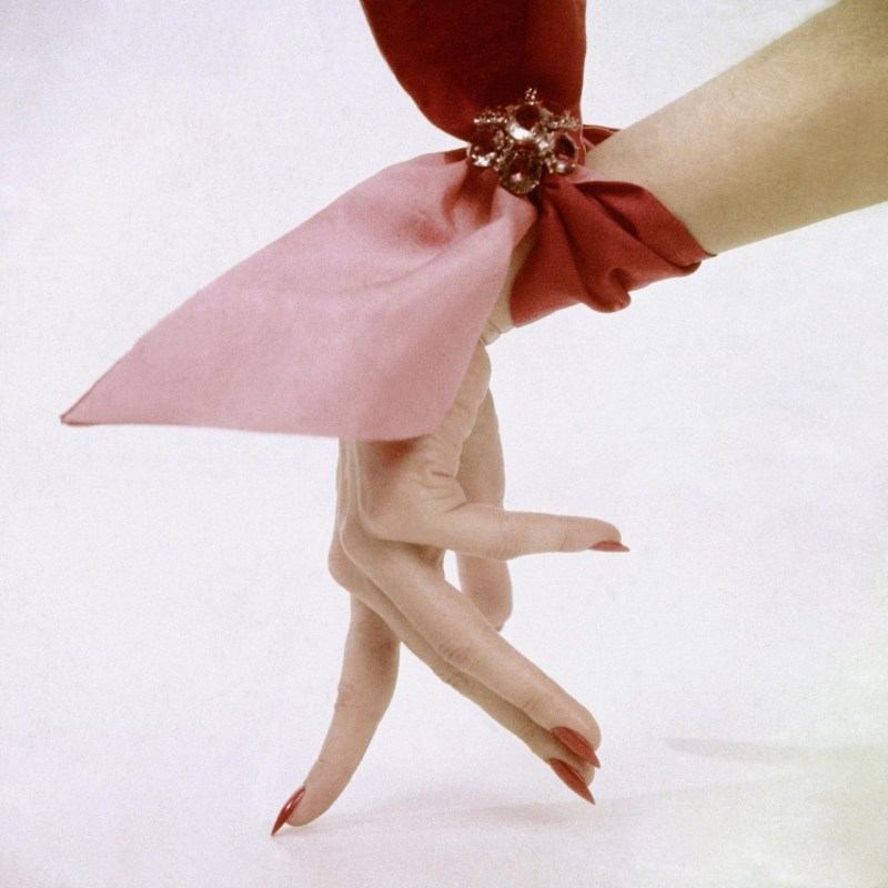 pink-wrist-scarf-photographed-by-clifford-coffin-in-1951