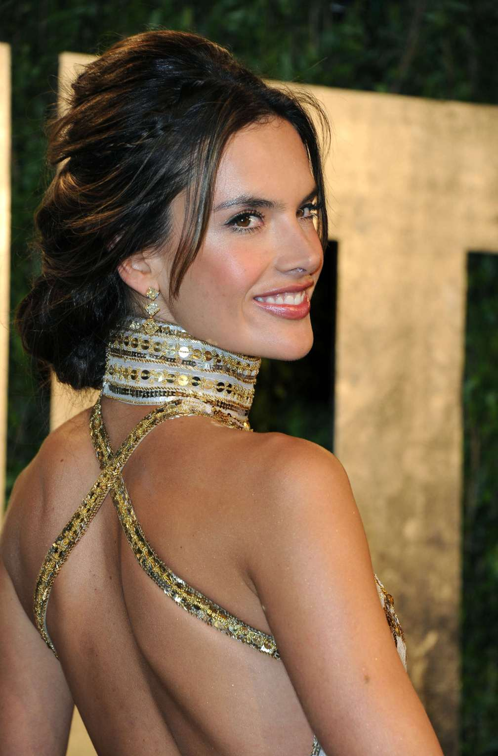 beautiful-dress-Alessandra-Ambrosio-3