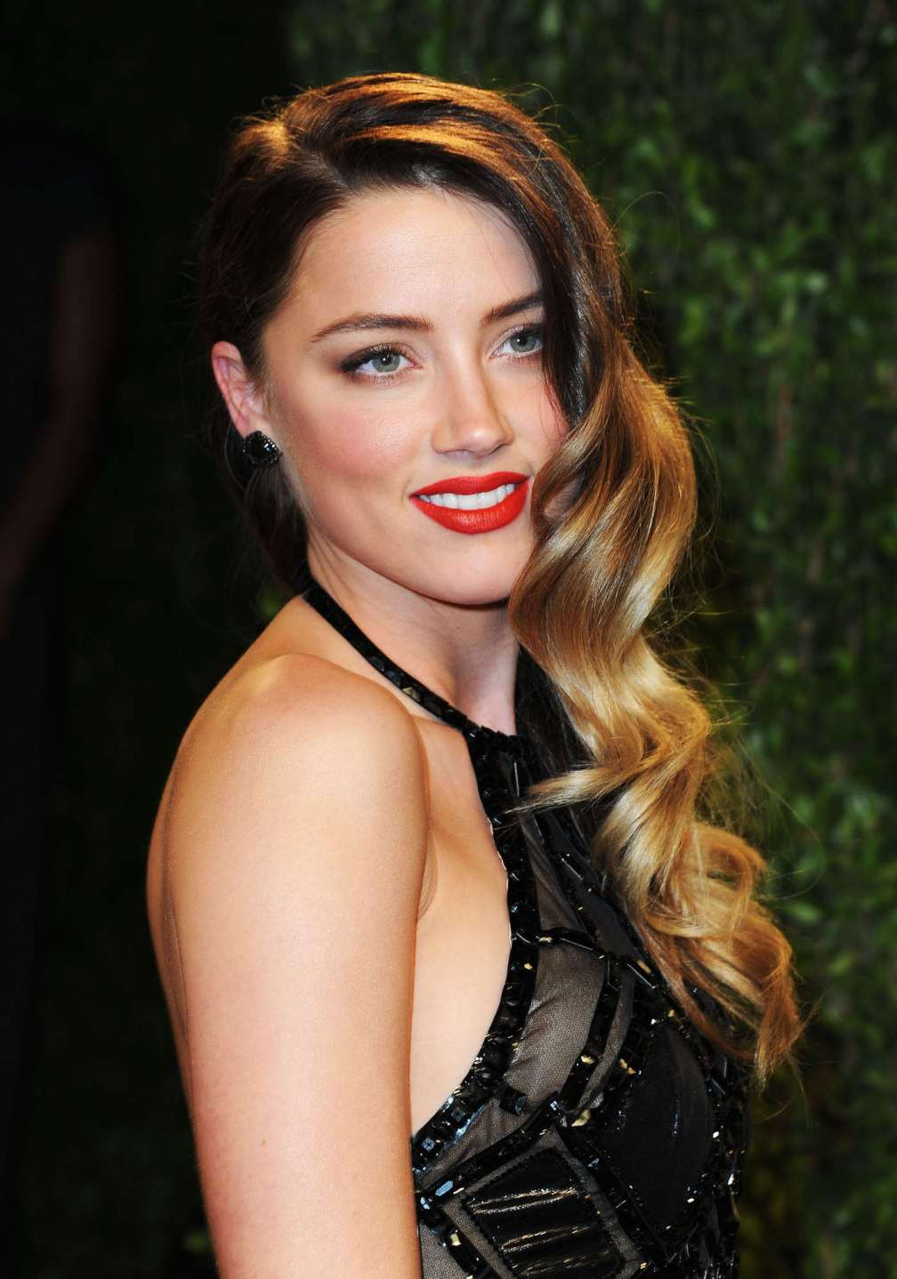 beautiful-dress-Amber-Heard-3
