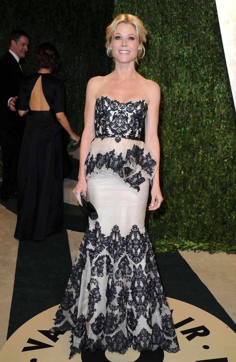 beautiful-dress-Julie-Bowen