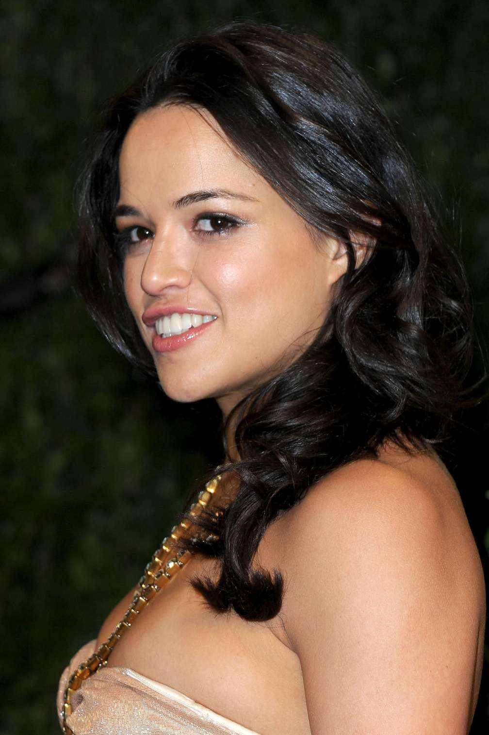beautiful-dress-Michelle-Rodriguez-2