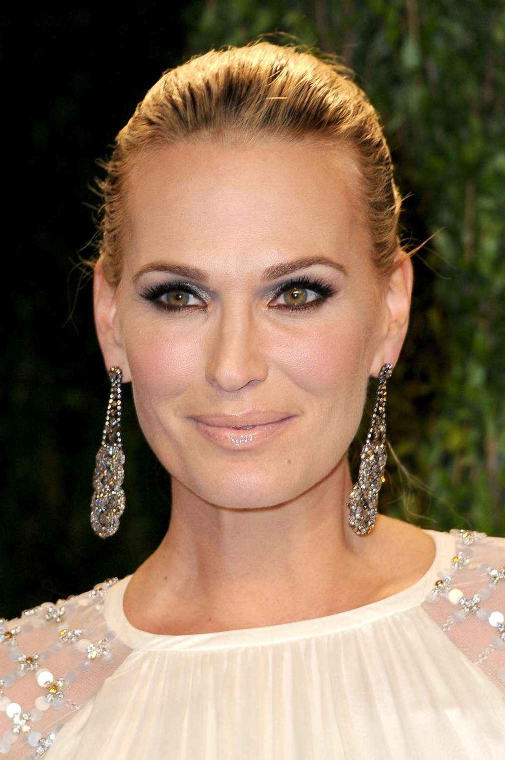 beautiful-dress-Molly-Sims-2
