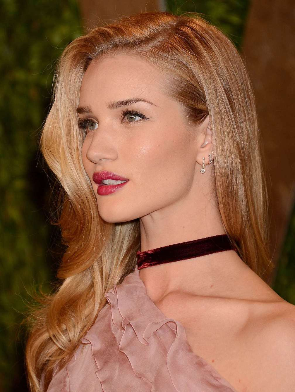 beautiful-dress-Rosie-Huntington-Whiteley-3
