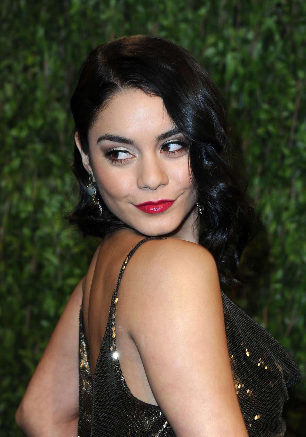 beautiful-dress-Vanessa-Hudgens-2