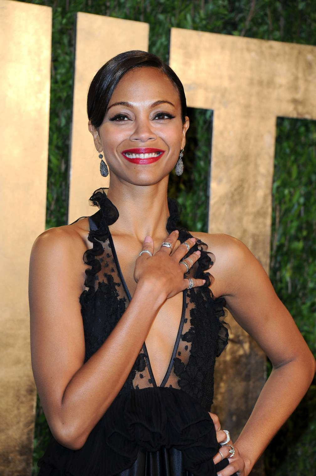 beautiful-dress-Zoe-Saldana-3