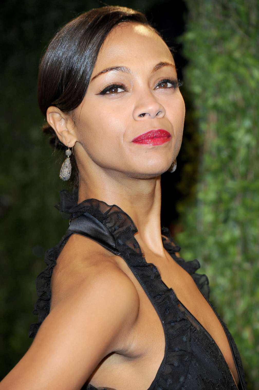 beautiful-dress-Zoe-Saldana-4