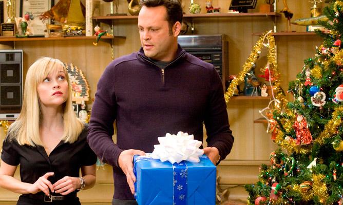 1Four-Christmases-0