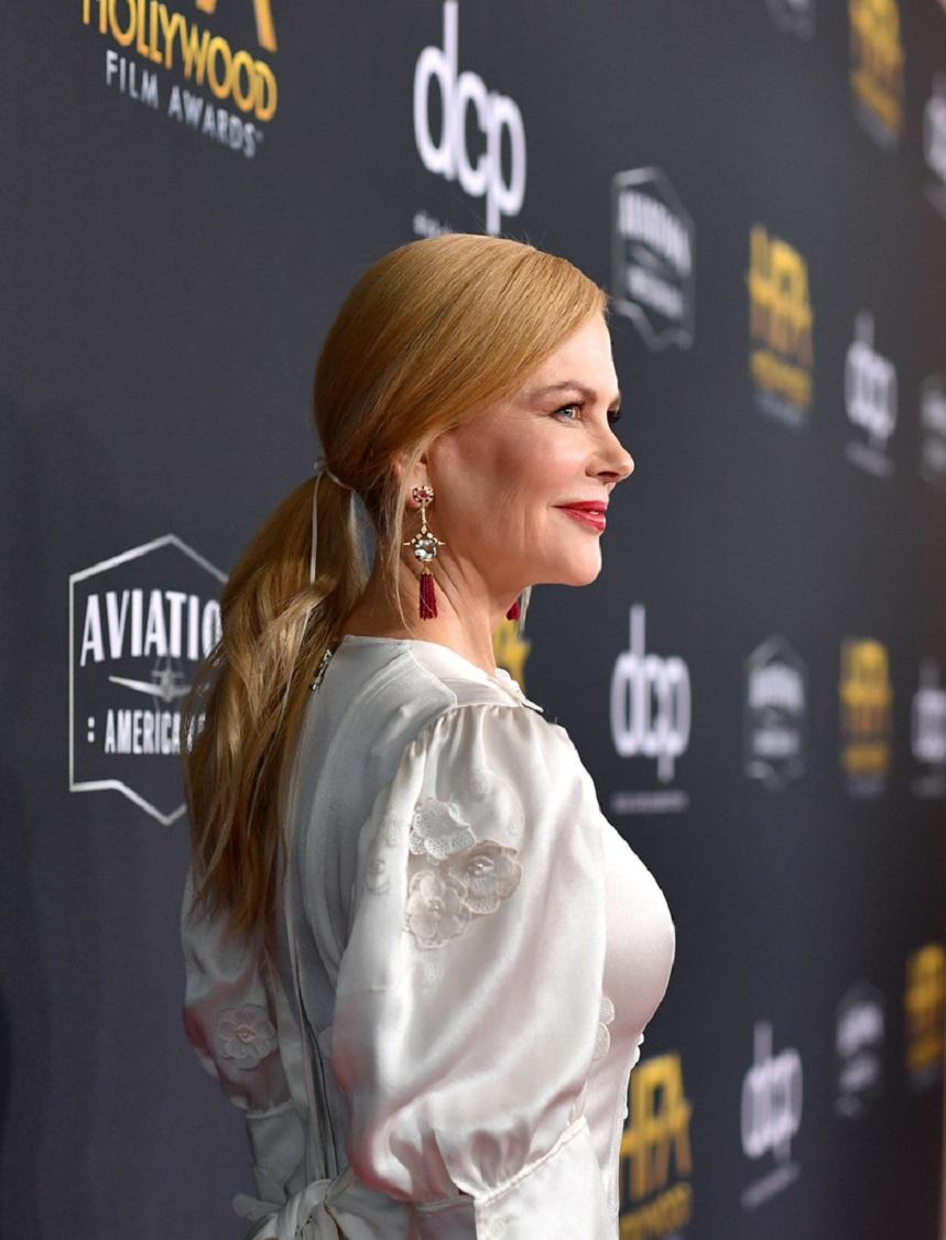 12 красивых нарядов знаменитостей на церемонии  Hollywood Film Awards 2019